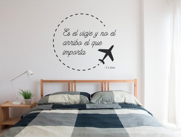 Vinilo pared frase viajera wasabi project for Pegatinas frases pared