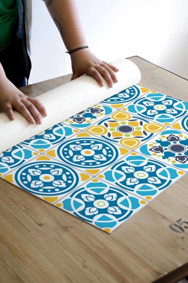 alfombra_enrollada_azulejos_tailandia