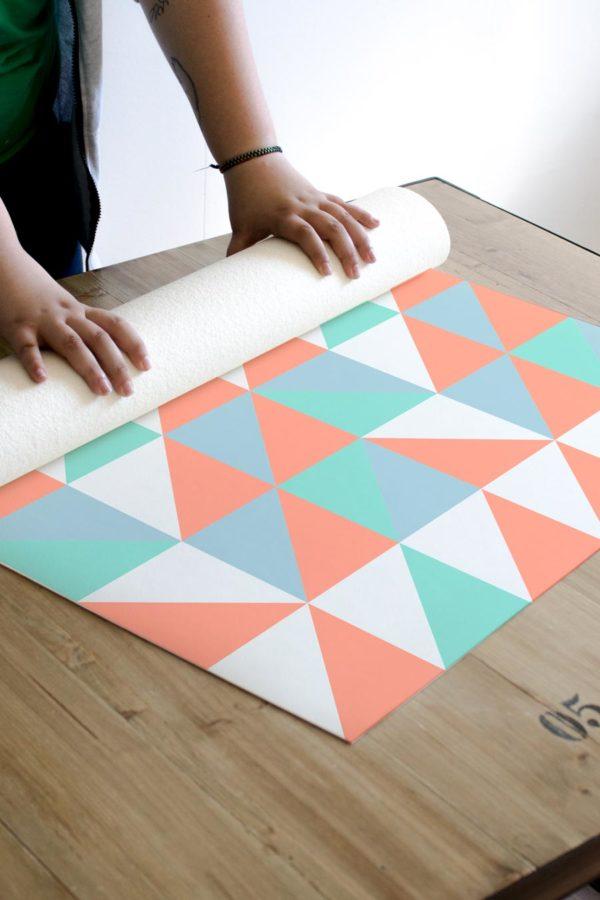 alfombra_enrollada_azulejo_geometrico_naranja