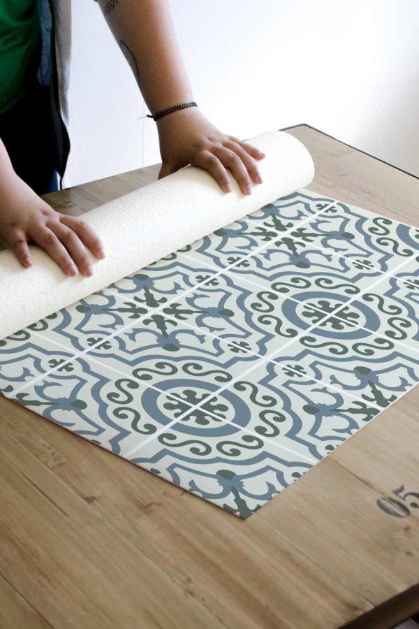 alfombra_enrollada_azulejo_vintage_verde