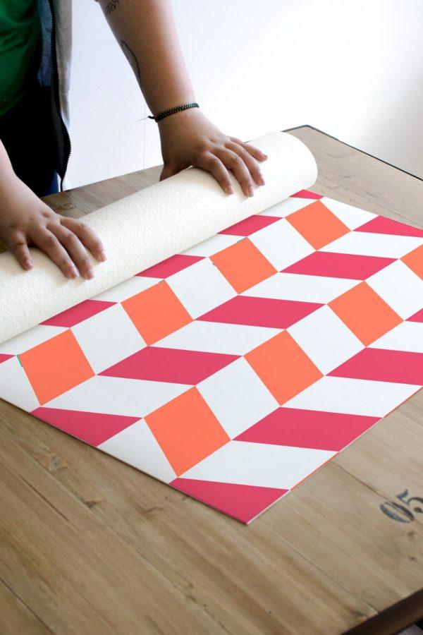 alfombra_enrollada_chevron_pattern_pink