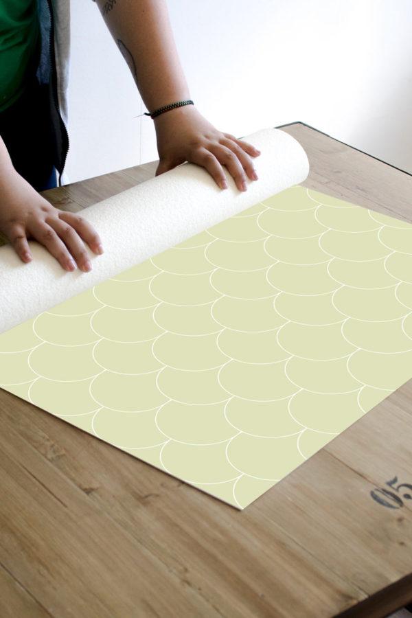 alfombra_enrollada-escamas-verdes