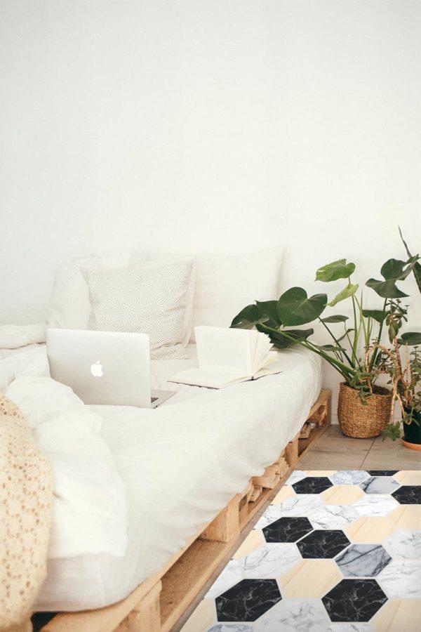 alfombra-hexagono-madera-mockup_llit