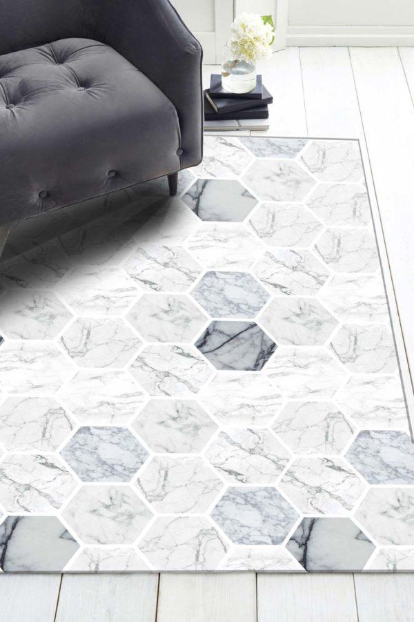 alfombra-hexagonos-marmol-sillon