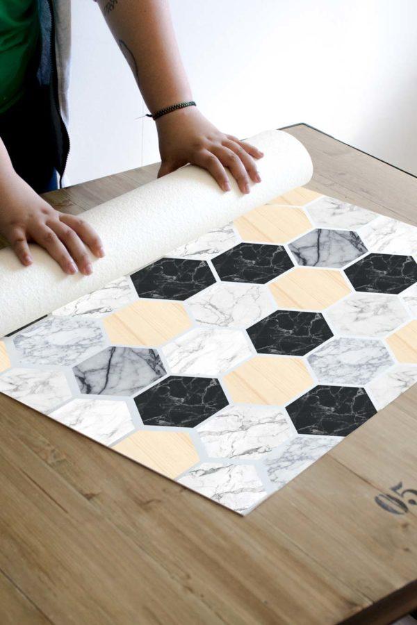 alfombra_enrollada-hexagonos-madera