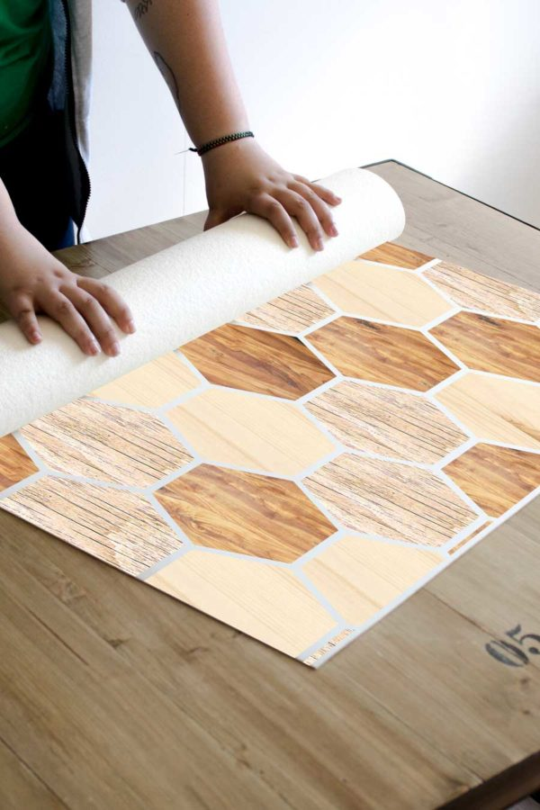 alfombra_enrollada-hexagonos-madera2