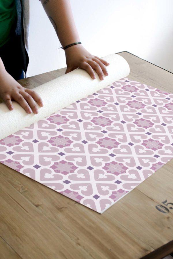 alfombra_enrollada_azulejos_mimosa_rosa