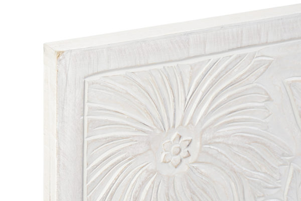 Cabecero de madera tallada modelo. Medida 160x80 cm.